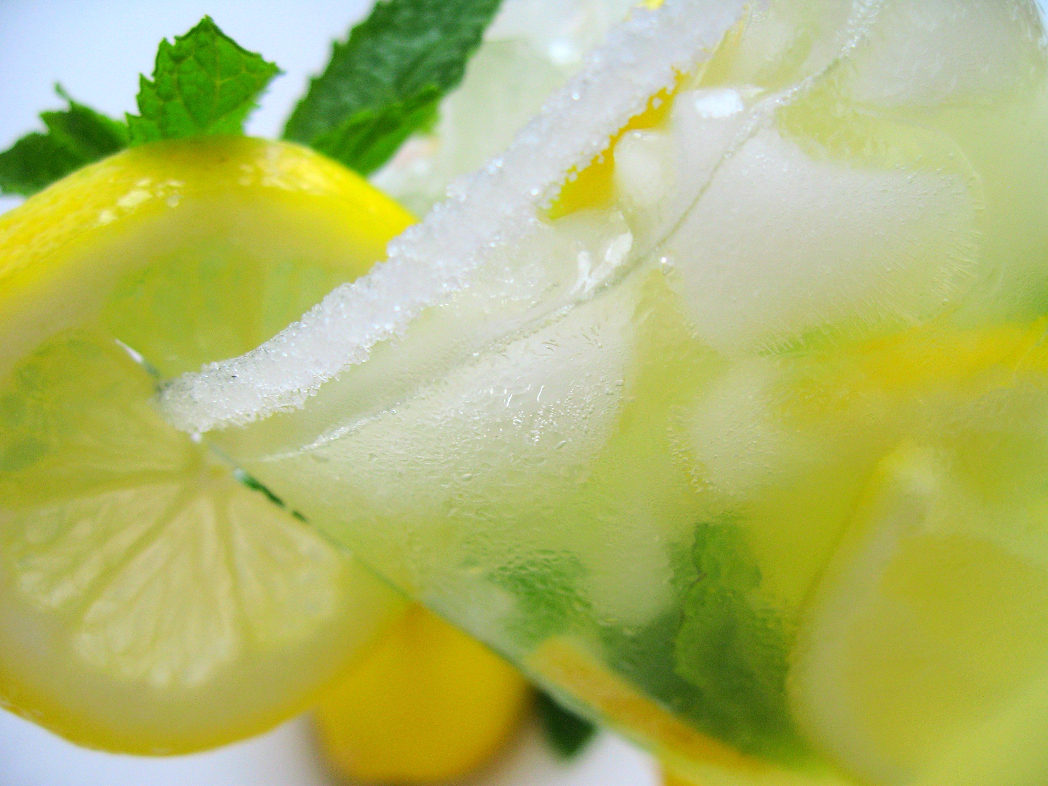 Sparkling Ginger Mint Lemonade